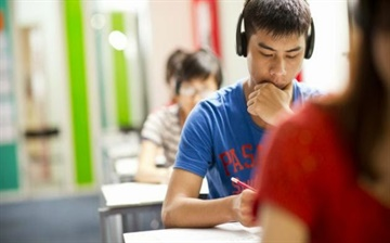 نکات کلیدی لیسنینگ آیلتس | بخش های مختلف لیسنینگ | IELTS Listening
